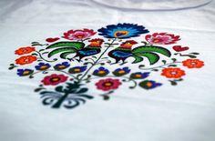 "Folklor T-shirt - projekt ""do it yourself"""