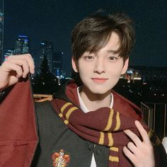 I shall enter the world of cosplaying! Lmao Gryffindor or Slytherin? Korean Boys Hot, Korean Boys Ulzzang, Ulzzang Kids, Cute Asian Guys, Asian Boys, Cute Guys, Asian Men, Ullzang Boys, Korea Boy