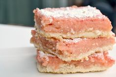 Strawberry Lemonade Bars. Yummy.