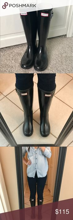 Hunter black glossy huntress style rain boots Hunter black glossy huntress style rain boots.The most versatile boots on the planet! Not just great for rain, but paired with the fleece wellie socks they will keep you toasty in the snow too! Amazing for rainy days or sloshing around at a muddy festival! I moved to Florida 3 years ago and these haven't been worn since:( It hurts to part with these beauties but I can't justify taking up the space in my closet anymore. Please note the huntress…