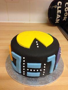 Pacman 80's birthday cake