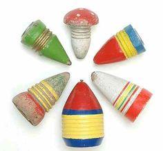 Spielzeug 50er Jahre war bei mir auch noch im Trend der gute peitschkreisel