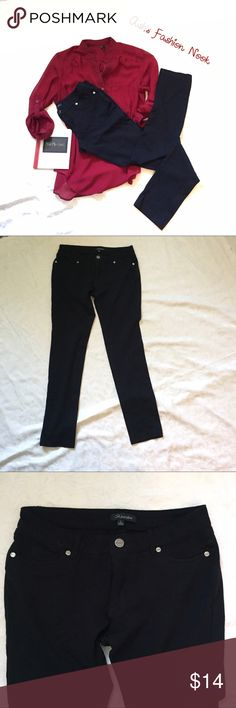 Shinestar-Skinny Dress Pants 🌼EUC! Skinny dress pants! Great for an interview or any semi-formal setting.🌼📦Bundle all the items you like, and I will send you a personalized, no obligation, offer!📦(A) Shinestar Pants Skinny