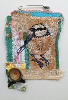 Awesome Most Popular Embroidery Patterns Ideas. Most Popular Embroidery Patterns Ideas. Embroidered Bird, Bird Embroidery, Free Motion Embroidery, Embroidery Patterns, Machine Embroidery, Embroidery Scissors, Fabric Birds, Fabric Art, Fabric Scraps