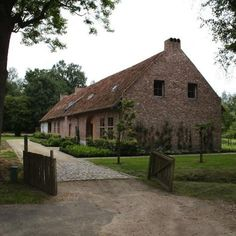 Discovered via Belgian Pearls: Moka & Vanille, a restored farmhouse turned guest house located in Heusden-Zolder, a village in the Belgian province of