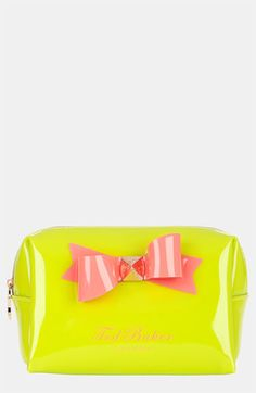 20 Cute Makeup Bags To Store the Essentials