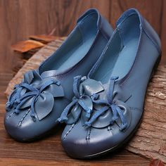 Socofy SOCOFY Flower Tassel Soft Leather Slip On Flat Casual Vintage Shoes is cheap and comfortable. There are other cheap women flats and loafers online. Leather Slip Ons, Soft Leather, Loafers Online, Vintage Shoes, Vintage Clothing, Fashion Flats, Retro, Types Of Shoes, Leather Fashion