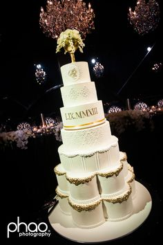 Wedding planned and styled by Weddings by Diane Khoury Cake by Faye Cahill