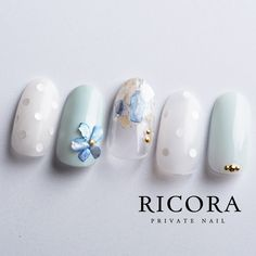 ドット×シェルストーンのお花instagram→tunashima.nail Korean Nail Art, Korean Nails, Nail Swag, Japan Nail Art, Nail Pictures, Japanese Nails, Bridal Nails, Beautiful Nail Designs, Toe Nail Art