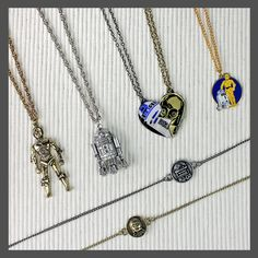 Star Wars R2-D2 and C-3PO Best Friends style necklace jewelry sets ⭐️ Star Wars fashion ⭐️ Geek Fashion ⭐️ Star Wars Style ⭐️ Geek Chic ⭐️