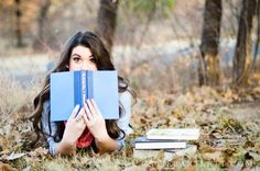 senior pictures with books | Found on catiebartlett.com