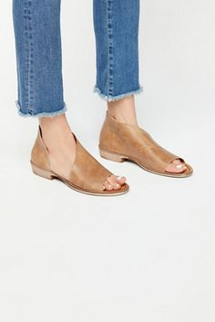 Shop our Mont Blanc Sandal at FreePeople.com. Share style pics with FP Me, and read & post reviews. Free shipping worldwide - see site for details.