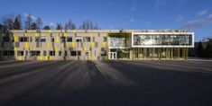 Galerie der Harfang-Des-Neiges-Grundschule / Architects + Onico Architecture – 4 – bu Gallery of Harfang-Des-Neiges Primary School / Architectes + Onico Architecture – 4 Harfang-Des-Neiges Grundschule / Architekten + Onico Architektur Facade Architecture, School Architecture, Primary School, Elementary Schools, School Images, Learning Environments, Sunday School, Photo And Video, Gallery