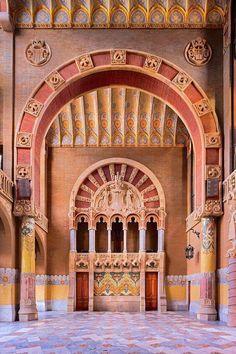 Hospital de la Santa Creu Sant Pau, Catalonia Barcelona (Art Nouveau) Yes, I do that too!!!  ;0)