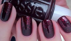 red essy nails with glitter