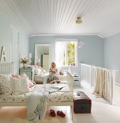 Look at these adorable girls shared bedroom ideas. Home Bedroom, Girls Bedroom, Nordic Bedroom, Childrens Bedroom, Bedroom Decor, Shared Bedrooms, Little Girl Rooms, Home Staging, Shabby Chic