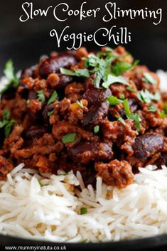 Slow Cooker Vegetarian Slimming World Chilli – This easy, quick recipe is ready in ten minutes and is a one pot wonder. Delicious, rich, deep, smokey flavour which can be mild or spicy. Can be frozen for later use. Slimming World Chilli, Slow Cooker Slimming World, Slimming World Vegetarian Recipes, Vegan Slimming World, Easy Healthy Recipes, Vegetarian Cooking, Slimming Eats, Slimming World Meals, Slimming World Breakfast