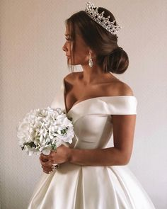 Trendy Wedding Hairstyles of Bridal From Real Weddings 2019 wedding engageme. wedding engagement hairstyles 2019 - wedding and engagement 2019 Affordable Wedding Dresses, Dream Wedding Dresses, Bridal Dresses, Wedding Gowns, Elegant Dresses, Sexy Dresses, Pretty Dresses, Summer Dresses, Casual Dresses