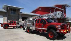 Firefighter Equipment, Firefighter Emt, Wildland Firefighter, Fire Dept, Fire Department, Cool Trucks, Big Trucks, Ambulance, Brush Truck