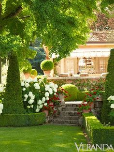 For those who like a very manicured look. Gorgeous but impossible without a staff of gardeners!
