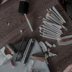 we're a mess Smoking Kills, Smoking Weed, Bad Girl Aesthetic, Aesthetic Grunge, Imagenes Dark, Rauch Fotografie, Cigarette Aesthetic, Smoke Photography, Weed Girls