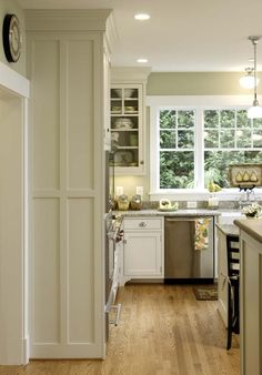 Like the color scheme.  Gallery Page 4 | Crown Point Cabinetry