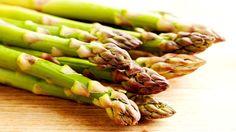 Asian Asparagus Salad - It sounds interesting! Ww Recipes, Side Dish Recipes, Veggie Recipes, Salad Recipes, Asparagus Salad, Asparagus Recipe, Fresh Asparagus, How To Cook Asparagus, Vegetable Side Dishes