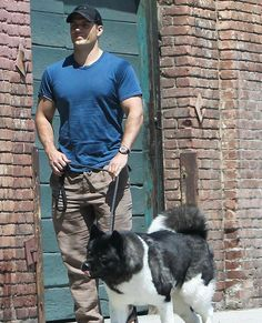 Henry Cavill and Kal arrive for Hugo Boss shoot in Los Angeles, April Superman Cavill, Henry Superman, Star Wars Cartoon, Henry Cavill News, Love Henry, Henry Caville, The Witcher Geralt, American Akita, Henry Williams