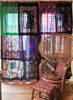 Bohemian Bedroom Decor Ideas - Discover the most effective Bohemian Bed room Designs. Learn the best ways to provide your bed room a boho touch. Gypsy Curtains, Beige Curtains, Scarf Curtains, Curtains Living, Elegant Curtains, Velvet Curtains, Drapes Curtains, Patterned Curtains, Vintage Curtains
