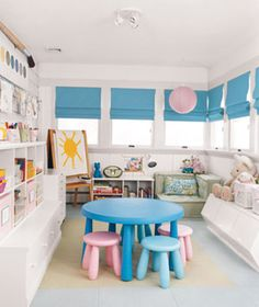 Google Image Result for http://img4-1.realsimple.timeinc.net/images/home-organizing/organizing/0804/organizer-playroom-6_300.jpg