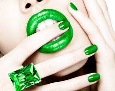Green with envy = hot!! #green #makeup Photography: Juli Balla Makeup: Rae Morris