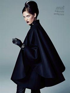 Heidi Mount Channels Daphne Guinness for S Magazine September 2012 tambien obsesionada con las capas....