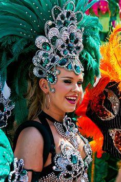 Carnival Girl, Brazil Carnival, Carnival Outfits, School Carnival, Carnival Wedding, Vintage Carnival, Carribean Carnival Costumes, Caribbean Carnival, Carnival Decorations