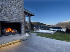 Whitbourn lane, Luxury House in Queenstown & Lakes, New Zealand Lake Wakatipu, Vacation Rentals By Owner, New Zealand Houses, Luxury Holidays, Snow Holidays, Home Fireplace, Luxury Accommodation, Outdoor Fire, Lake View