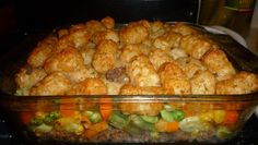 Tater Tot Hotdish gluten and dairy free - add Worcestershire Sauce to turkey to give it more flavor. Go easy on the cornstarch and let it boil for a while to thicken. Add tomato paste to sauce liquid for flavor. Pour liquid on before tater tots. Tater Tot Hotdish, Tater Tots, Hamburger Hotdish, Gluten Free Chicken Broth, Hotdish Recipes, Dairy Free Diet, Lactose Free, Egg Free Recipes, Gluten Free Dinner