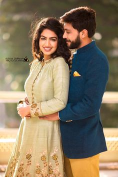 Cute Couples Photography, Indian Wedding Couple Photography, Indian Wedding Bride, Wedding Couple Photos, Indian Photoshoot, Couple Photoshoot Poses, Wedding Photoshoot, Wedding Shoot, Romantic Couple Images