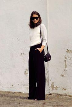Look minimaliste noir et blanc - Pantalon large noir et top blanc ! #minimaliste #style #fashion #styleblogger #streetstyle #pants #black