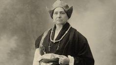Alexandra David-Néel est une exploratrice orientaliste du début du XXème siècle. Féministe, anarchiste, c...