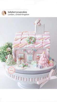 Pink Pastel Gingerbread House by Lady Berry Cupcakes Www.ladyberrycupcakes.co.uk Instagram: LadyBerryCupcakes