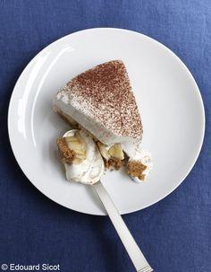 Recette Mon super banoffee : 1. Préparez le biscuit : faites fondre le beurre. Mixez Petit Lu et spéculoos jusqu'à obtention d'une poudre, puis ajoutez l...