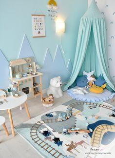 Kreatives Kinderspielzimmer für Jungen in Mint & Blau - Diseño y Decoración de Interiores Niños - Kinderzimmer Baby Room Neutral, Nursery Neutral, Gender Neutral, Childrens Kitchens, Small Hall, Big Living Rooms, Mint Blue, Cozy Corner, Creative Kids