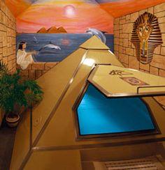 .pyramid float tank                                                                                                                                                                                 Mais