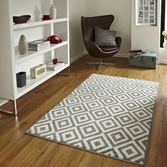 The Matrix Diamond Rug in Grey and White is hand carved which helps emphasise the modern, funky design. An excellent addition to any living space, this rug is stain resistant making this easier to look after. Contemporary Rugs, Modern Rugs, Modern Carpet, Verona, Grey And White Rug, White Rugs, Grey Yellow, Carpet Trends, Carpet Ideas