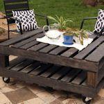 Outdoor pallet table @Matt Nickles Nickles Leonardo