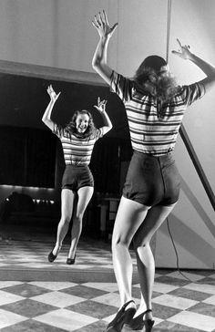 Chorus girl rehearsing, 1947