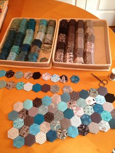 A Dipsy Doodle original: Gray/Turquoise Hexagon quilt