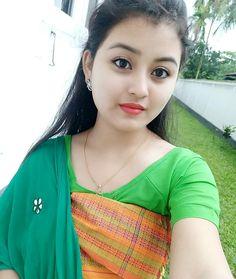 Beautiful Girl In India, Beautiful Girl Image, Beautiful Indian Actress, Beautiful Women, Cute Girl Pic, Cute Girls, Saree Models, Indian Beauty Saree, Indian Girls