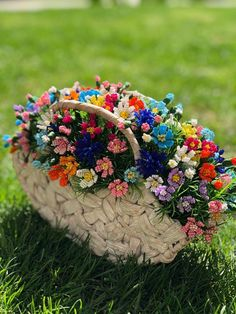 Woven basket with beaded wild flowers Multi colored flowers Summer wildflowers in wicker basket Wildflower art Flower shower English summer Flowers For You, Order Flowers, Fresh Flowers, Wild Flowers, Beautiful Flowers, Book Flowers, Exotic Flowers, Flowers Garden, Purple Flowers
