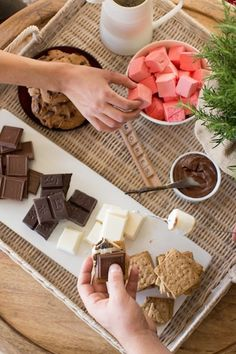 build-your-own s'mores bar // our favorite interactive parties of all time