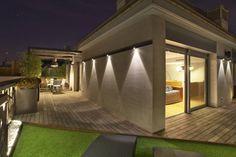 Duplex en Barcelona : Balcones y terrazas de estilo moderno de The Pont design